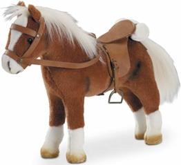 Götz 3401099 Springturniersieger Pferde-Puppe (Stockmaß 27 cm) - 33 cm hohes Plüschpferd für Stehpuppen - mit Sattel, Zaumzeug und Picknickdecke - 1
