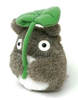 Mein Nachbar Totoro (Ghibli) Kuscheltier / Stofftier / Plüsch Figur: Totoro mit Blatt 13 cm - 1